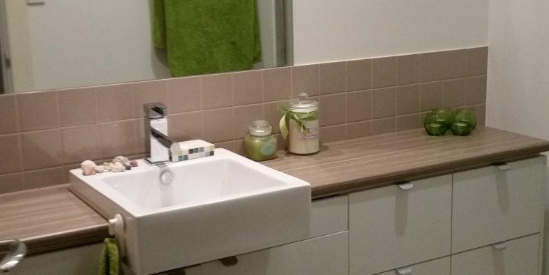 15/30 Metro Parade Mawson Lakes Bathroom