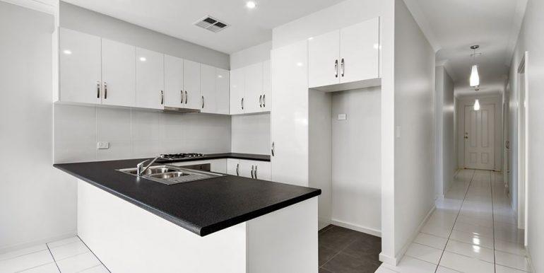 34B Kennion Crescent Para Hills West Kitchen