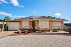 5 Martindale Street Para Hills front house