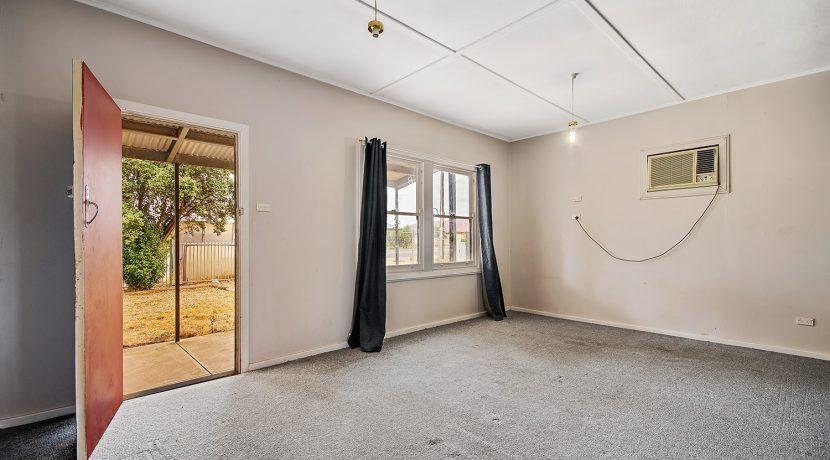 72 Chellaston Road Munno Para West living room