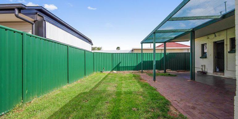93 Haydown Road Elizabeth Vale backyard