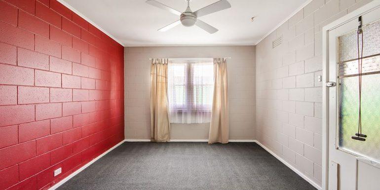 93 Haydown Road Elizabeth Vale bed