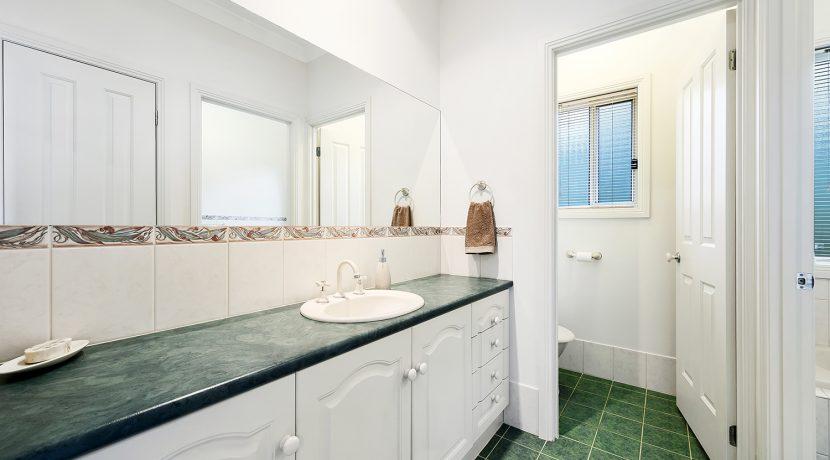2 Providence Boulevard Hewett Bathroom
